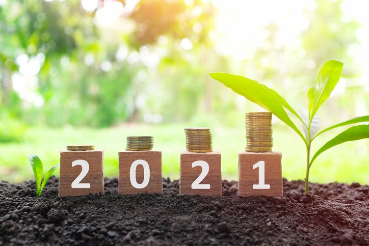 43 Life-Changing New Year's Money Resolutions for 2021