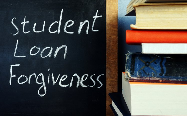 Should I refinance my student loans right now?